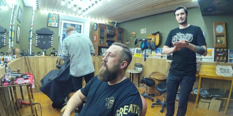 Стрижка головы+стрижка бороды машинкой